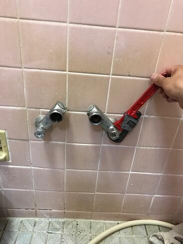 【水のトラブル】浴室蛇口交換作業③の画像