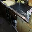 キッチンの床から水漏れ!飲食店の厨房・ダイニングキッチンの水漏れトラブル対応 油による排水管詰まり除去・改善作業 山口県下関市秋根本町