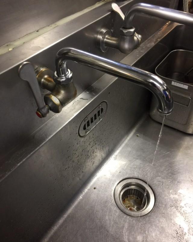水のトラブル(蛇口水漏れの修理交換)の画像