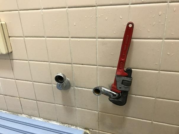 水のトラブル(浴室蛇口の水漏れ修理交換④)の画像