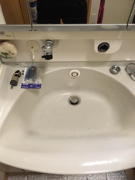 水のトラブル(洗面所蛇口水漏れ修理交換④)の画像