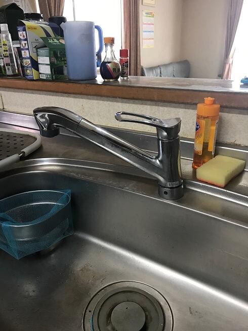 水のトラブル(台所蛇口水漏れ修理交換①)の画像