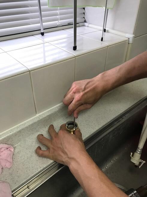水のトラブル(台所蛇口水漏れ修理交換⑤)の画像