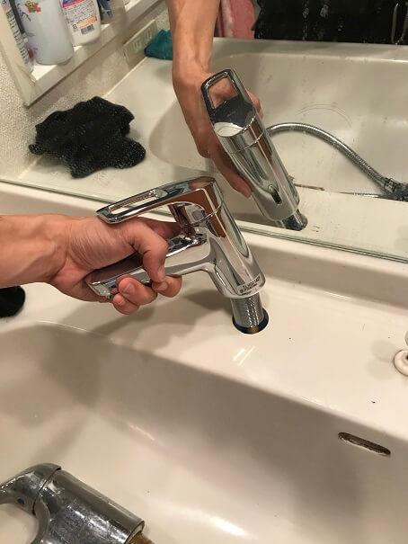 水のトラブル(洗面所蛇口水漏れ修理交換⑥)の画像