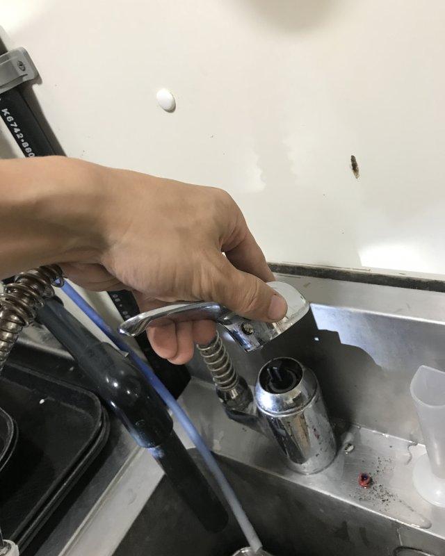 【水のトラブル】厨房水漏れ部品交換作業⑤の画像