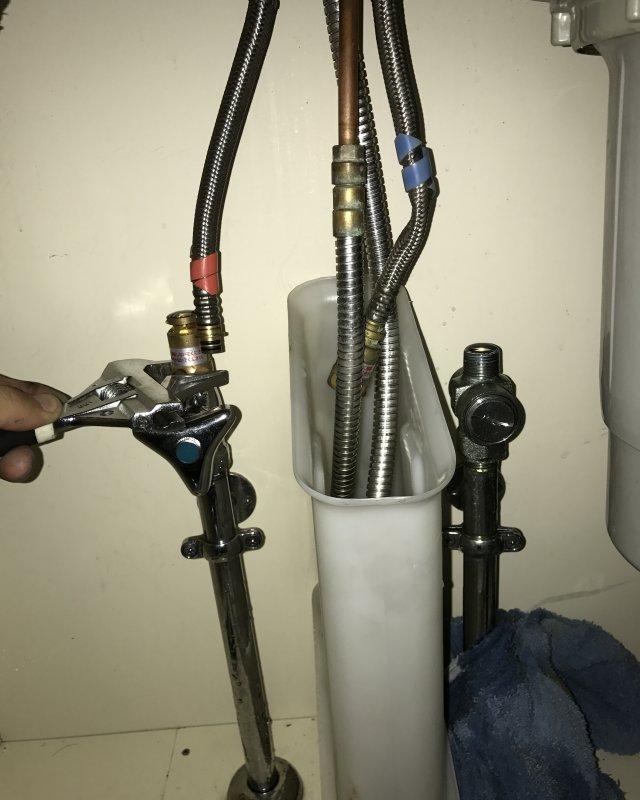 【水のトラブル】台所水漏れ交換作業②の画像