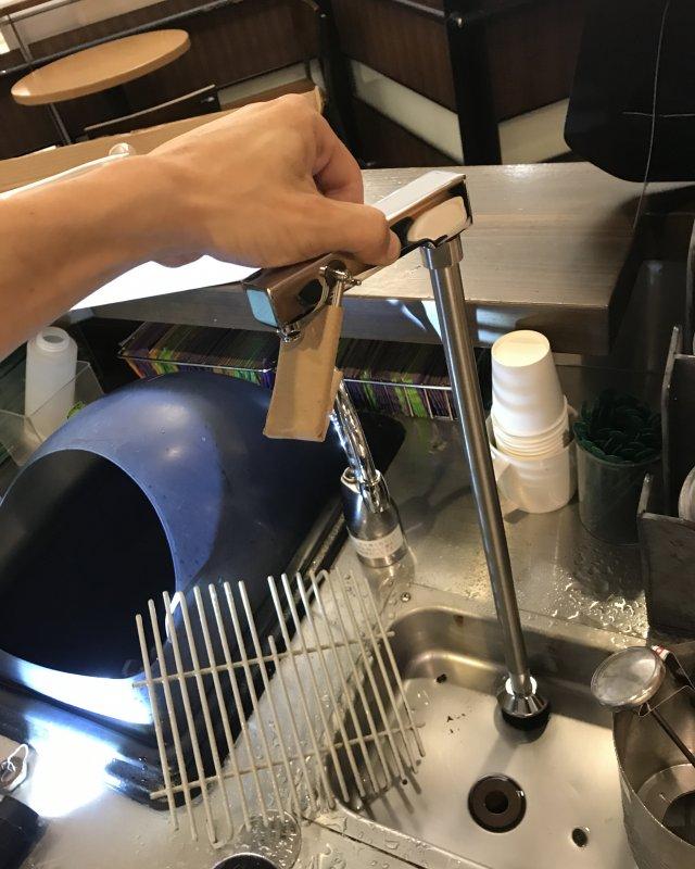 【水のトラブル】厨房水漏れ交換作業④の画像
