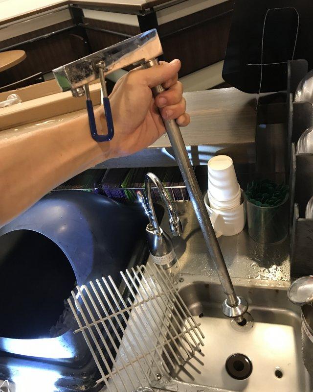 【水のトラブル】厨房水漏れ交換作業③の画像
